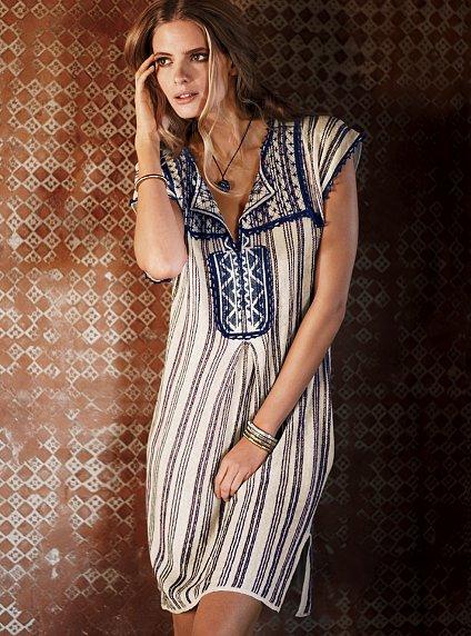 Victoria's Secret - Embroidered dress